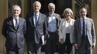 Philippe Juvin, Michel Barnier, Laurent Wauquiez, Valérie Pécresse et Bruno Retailleau (de gauche à droite), le 20 juillet 2021 à Paris, après une réunion de concertationau sujet de l'élection présidentielle. (LUDOVIC MARIN / AFP)