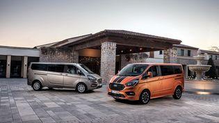Le Ford Transit transformé en véhicule de transport de personnes. (FORD POUR FRANCE INFO)