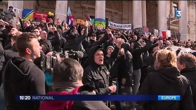 Attentats à Bruxelles : des militants d'extrême droite viennent perturber l'hommage aux victimes