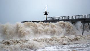 La tempête Gloria déferle sur Barcelone, en Espagne, le 22 janvier 2020. (JOAN VALLS / NURPHOTO / AFP)