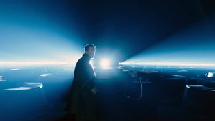 On retrouve dans Blade Runner 2049 Ryan Gosling en androïde chasseur de replicants. (Capture d'écran bande-annonce / Sony Pictures - Warner Bros. Pictures)