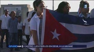 Les Cubains rendent hommage à Fidel Castro (FRANCE 3)
