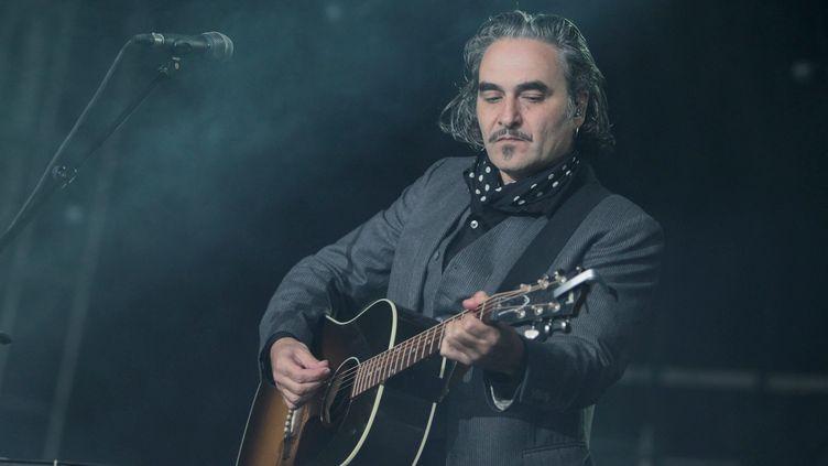 Stephan Eicher en concert au festival du Bout du Monde, le 3 août 2012. (FRANÇOIS DESTOC / MAXPPP)