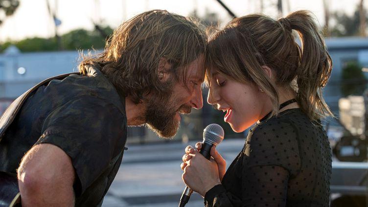 """Bradley Cooper et Lady Gaga dans """"A Star Is Born"""".  (Warner Bros)"""