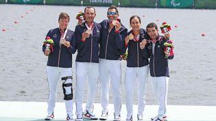 L'équipe de France dequatremixte barré, composée d'Erika Sauzeau, d'Antoine Jesel, de Rémy Taranto, de Margot Boulet et de Robin Le Barreau, a décroché la médaille de bronze dimanche 29 août à Tokyo. (G. Picout / France paralympique)