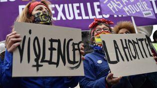 Mobilisation pour la Journee internationale contre la violence faites aux Femmes, sur la Place de la Republique a Paris, le 25 Novembre 2020. (JULIEN MATTIA / LE PICTORIUM / MAXPPP)