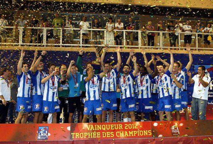 Dunkerque remporte le trophée des champions 2012 à Monaco. (ERIC DULIERE)