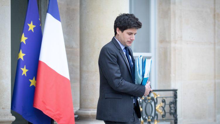 Le ministre du Logement Julien Denormandie, en charge du dossier des APL, à la sortie du conseil des ministres le 5 décembre 2019. (FRED DUGIT / MAXPPP)
