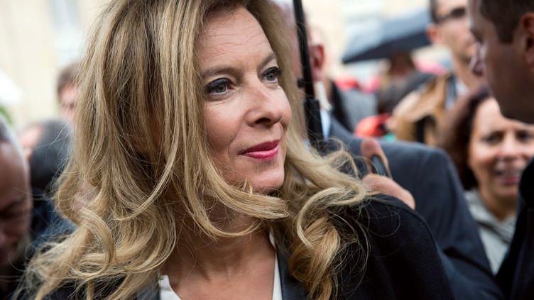 Valérie Trierweiler, la compagne de François Hollande, à l'Elysée, à Paris, lors des Journées du patrimoine, le 14 septembre 2013. (LIONEL BONAVENTURE / AFP)