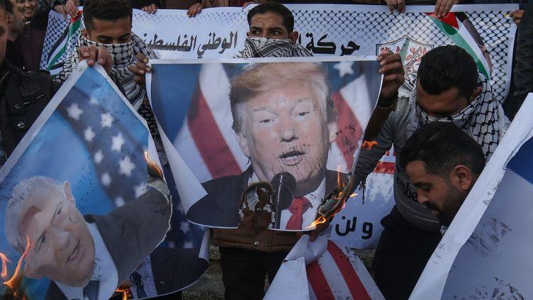 Des manifestants palestiniens dans la bande de Gaza (Palestine), le 29 janvier 2020. (SAID KHATIB / AFP)