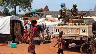 Casques bleus gabonais en patrouille à Bria en Centrafrique, en juin 2017. (SABER JENDOUBI / AFP)