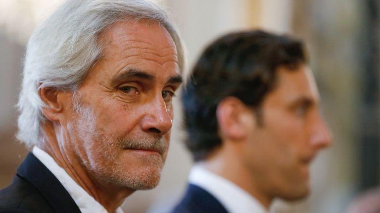 Charles Napoléonaux côtés de son fils, le prince Jean Christophe Napoléon, lors de la la commémoration du 250e anniversaire de la naissance de Napoléon Bonaparte à l'hôtel de ville d'Ajaccio(Corse), le 15 août 2019. (PASCAL POCHARD-CASABIANCA / AFP)