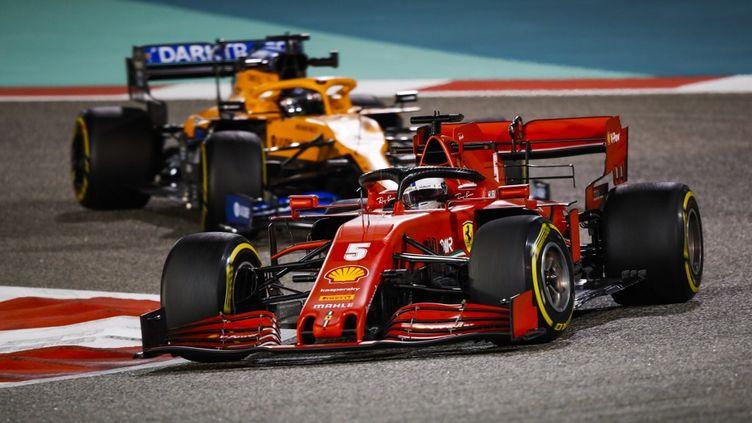Sebastian Vettel (Ferrari) durant les premiers essais libres du Grand Prix de Bahreïn. (FLORENT GOODEN / DPPI)