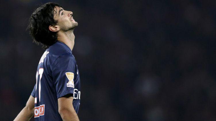 Javier Pastore tente sa chance pour le PSG