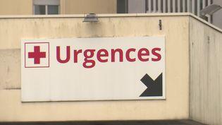 Covid-19 : deux hôpitaux en alerte (France 3)