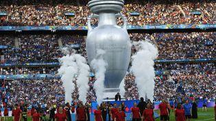 La cérémonie de clôture de l'Euro2016, lors de la finale entre la France et le Portugal, le 10 juillet 2016 au Stade de France, à Saint-Denis (Seine-Saint-Denis). (GUO YONG / NURPHOTO / AFP)