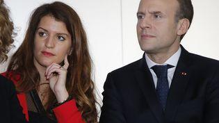 Marlène Schiappa et Emmanuel Macron, le 8 mars 2018, à Paris. (MICHEL EULER / POOL)