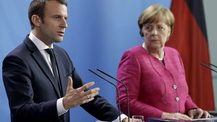 Emmanuel Macronet Angela Merkel devant la presse à Berlin, le 15 mai 2017 (MICHAEL SOHN / AP / SIPA)