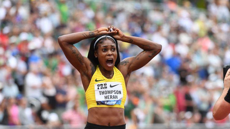 Après trois médailles d'or aux Jeux olympiques de Tokyo, Elaine Thompson-Herah a de nouveau brillé samedi sur laPrefontaine Classic (ANDY NELSON / DIAMOND LEAGUE AG / AFP)