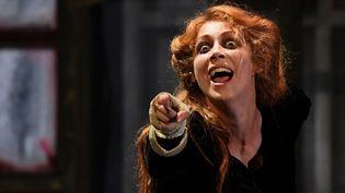 """La comédiennevanessa Fonte dans """"la Fuite !"""" de Mikhaïl Boulgakov monté parMacha Makeïeff au théâtre de la Criée Marseille  (BORIS HORVAT / AFP)"""
