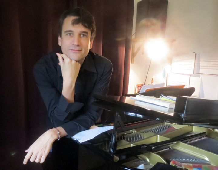 Baptiste Trotignon et son piano, le 10 novembre 2014 en banlieue parisienne  (Annie Yanbékian)