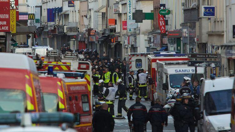 (Situation à Saint-Denis durant l'assaut donné par la police contre des terroristes présumés impliqués dans les attaques du 13 novembre  © Maxppp)