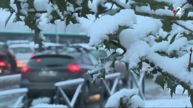 Intempéries : des chutes de neige perturbent le trafic en Île-de-France