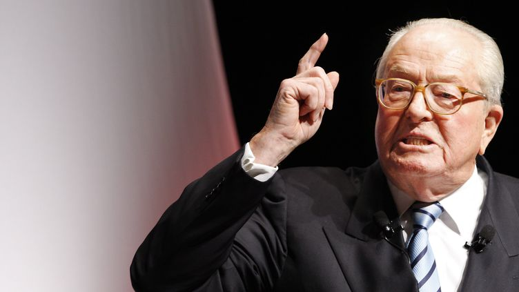 Jean-Marie Le Pen, cofondateur du FN, veutfaire annuler son exclusion du parti par la justice (GUILLAUME HORCAJUELO / EPA FILE)