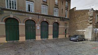 La caserne de pompiers rue Boursault, dans le 17e arrondissement de Paris. (CAPTURE GOOGLE MAPS / FRANCE INFO)