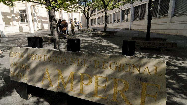 Le lycée Ampère, à Marseille, un des deux établissements qui souhaitaient installer un dispositif de reconnaissance faciale, ici le 14 septembre 2012. (MAXPPP)