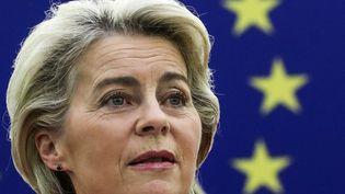 Ursula von der Leyen, présidente de la Commission européenne juge inacceptablela façon dont Paris a été traité dans l'affaire des sous-marins. (YVES HERMAN / POOL via AFP)