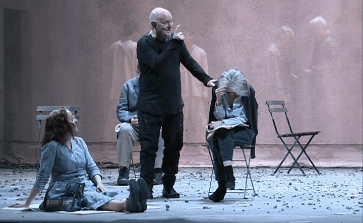 """Lars Norén dirige la mise en scène de """"Poussière""""  (France 3 / Culturebox )"""