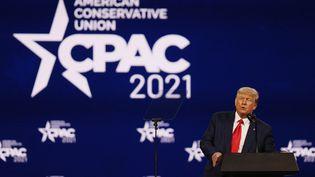 Donald Trump lors de la CPAC à Orlando (Floride), le 28 février 2021. (JOE RAEDLE / GETTY IMAGES NORTH AMERICA)
