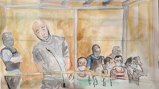 Willy Prévost debout dans le box des accusés, le 4 septembre 2020. (ELISABETH DE POURQUERY / FRANCEINFO)