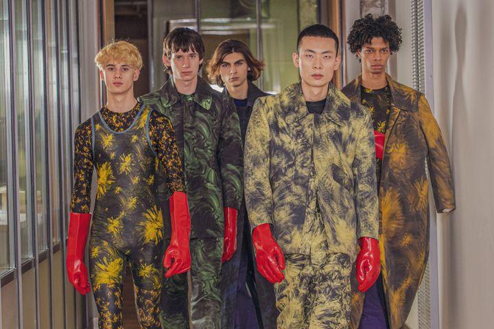 Les étudiants de l'Institut Français de la Mode ont ouvert la Paris Fashion Week féminine automne-hiver 2021-22 avec une vidéo, le 1er mars 2021 (IFM)