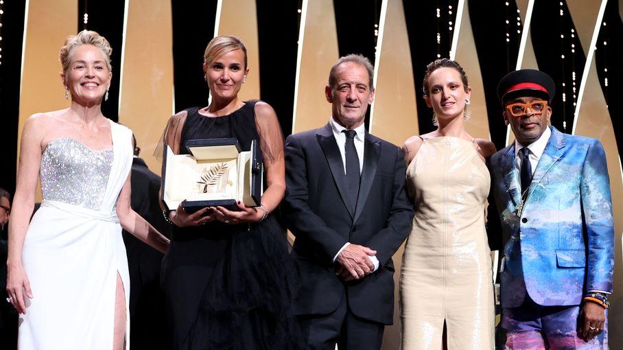 """Festival de Cannes 2021 : la Palme d'or pour """"Titane"""" de la Française Julia Ducournau, retrouvez le palmarès complet"""