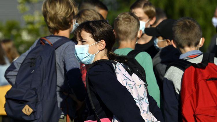 Des élèves d'un collège de l'est de la France, le 2 septembre 2021, jour de la rentrée. (Photo d'illustration) (MAXPPP)