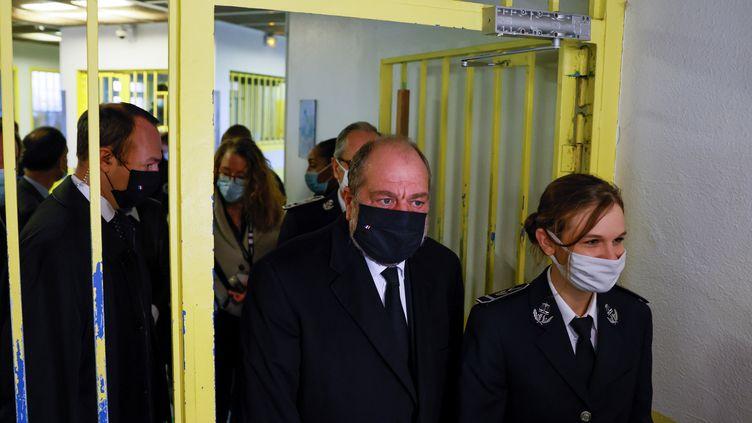 Eric Dupond-Moretti, le ministre de la Justice, en visite à la mison d'arrêt d'Osny, dans le Val-d'oise, lundi 16 novembre 2020. (THOMAS SAMSON / POOL)
