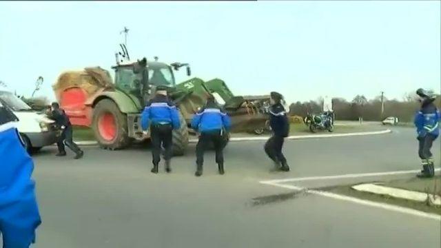 Une journée tendue entre les éleveurs bretons en colère et policiers