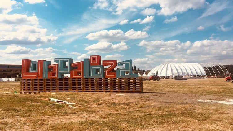 Le festival Lollapalooza investit l'hippodrome de Longchamp pour la deuxième année. (Compte Facebook Lollapalooza Paris)
