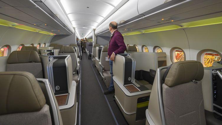 Cabine business à bord d'un A321 neo de la TAP. Photo d'illustration. (HORACIO VILLALOBOS / CORBIS NEWS)