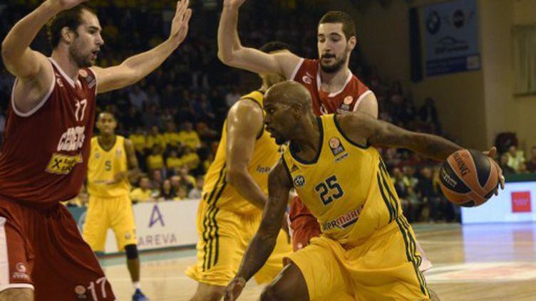 Le Limougeaud Ramel Curry mène le jeu (PASCAL LACHENAUD / AFP)