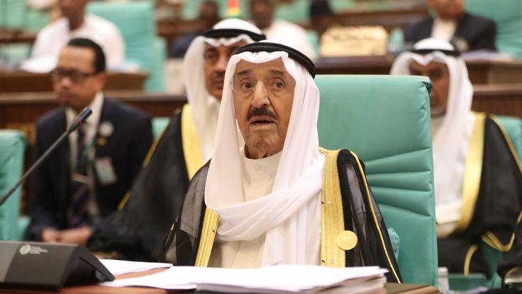 L'émir du Koweït, cheikh Sabah al-Ahmad al-Sabah à l'ouverture d'une conférence de l'Organisation pour la coopération islamique, le 1er juin 2019. (BANDAR ALDANDANI / AFP)