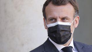 Emmanuel Macron, le 30 mars 2021. (LUDOVIC MARIN / AFP)