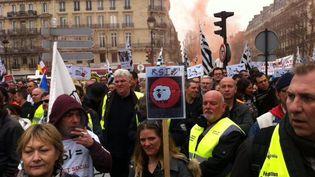 Des indépendants manifestent contre leur régime social, à Paris, le 9 mars 2015. (BENOIT ZAGDOUN / FRANCETV INFO)