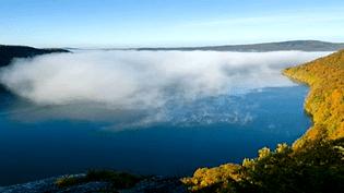 Nuages sur un lac jurassien  (Stéphane Godin et Bertrand Picault /capture d'écran)