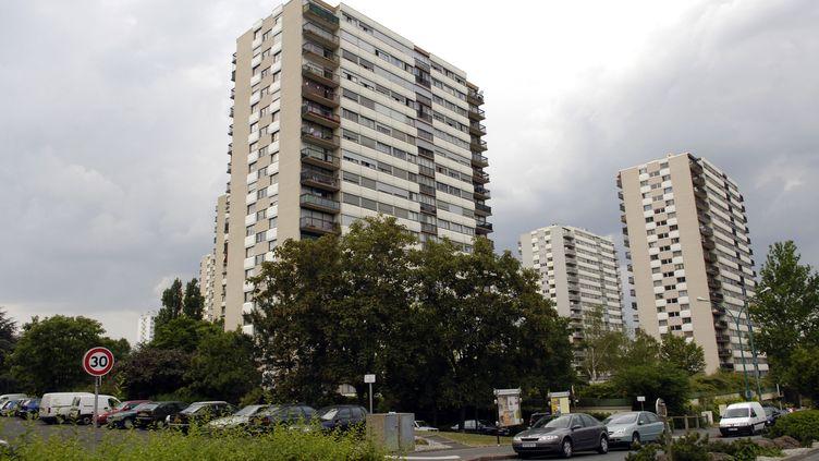 La cité des Larris, à Fontenay-sous-Bois (Val-de-Marne), dont sont originaires les quatorze accusés de viols en réunion présents au premier procès en novembre 2012. (STEPHANE DE SAKUTIN / AFP)