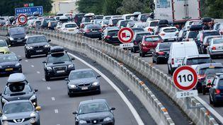 L'autoroute A7 aux abords de Valence (Drôme), le 1er août 2015. (PHILIPPE DESMAZES / AFP)