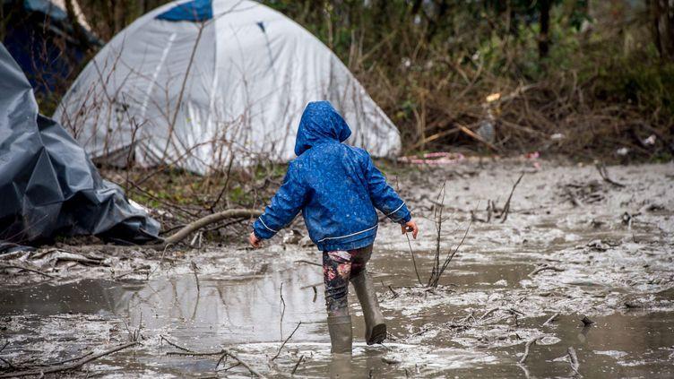 (Les enfants représentent 27% du million de migrants arrivés en Europe en 2015 © MaxPPP)