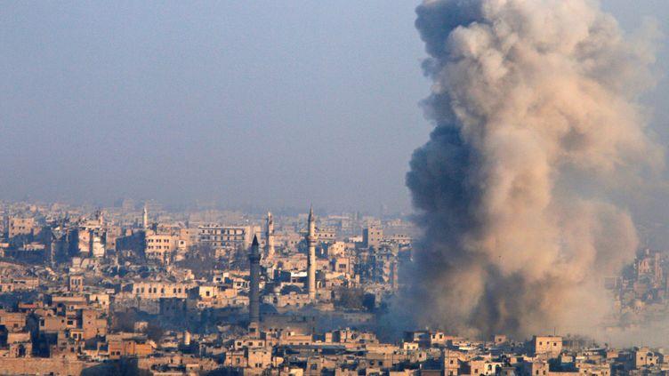 Un quartier bombardé à Alep(Syrie), le 12 décembre 2016. (OMAR SANADIKI / REUTERS)